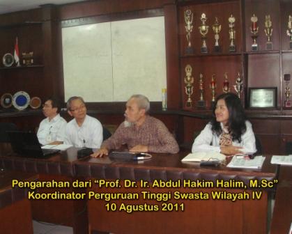 Pengarahan dari Prof. Ir. Abdul Hakim Halim, M.Sc, Koordinator Perguruan Tinggi Swasta Wilayah IV pada tanggal 10 Agustus 2011