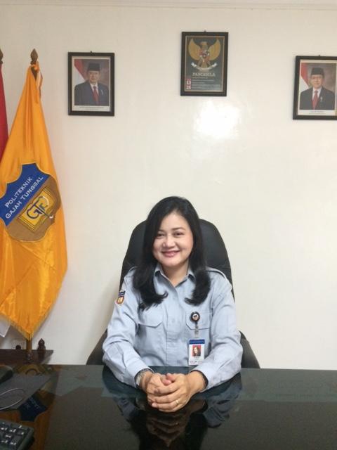Dr Ita Mariza, Direktur Politeknik Gajah Tunggal
